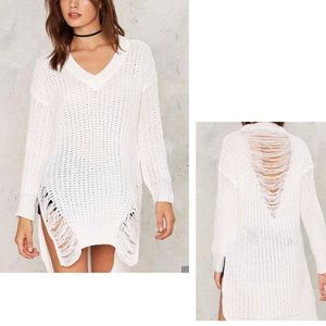 Tic Toc | White Distressed Sweater